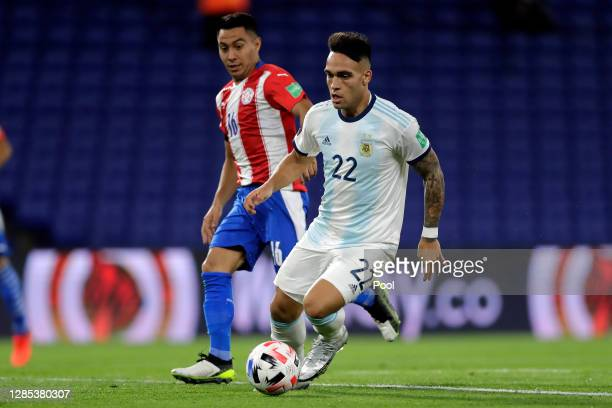 Lautaro Martínez of Argentina controls the ball during a match between Argentina and Paraguay as part of South American Qualifiers for Qatar 2022 at...