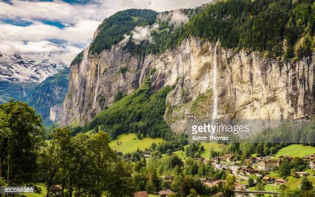 lauterbrunnen, switzerland, europe - lauterbrunnen - fotografias e filmes do acervo