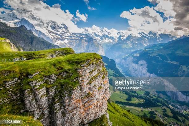 lauterbrunnen valley from männlichen - lauterbrunnen - fotografias e filmes do acervo