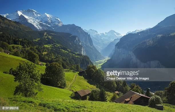lauterbrunnen valley - tal stock-fotos und bilder