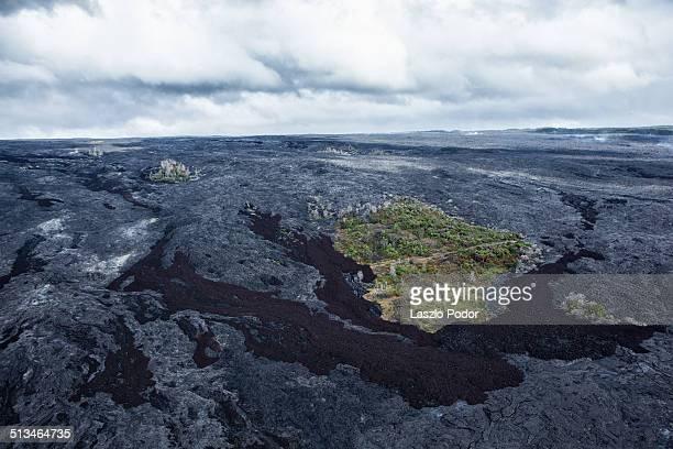 lava fields near kalapana - kalapana stock pictures, royalty-free photos & images