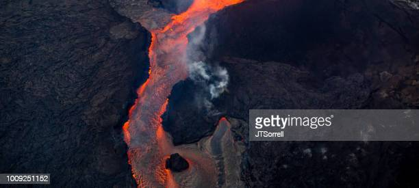 lava flow from kilauea's fissure 8 - pele goddess stock pictures, royalty-free photos & images