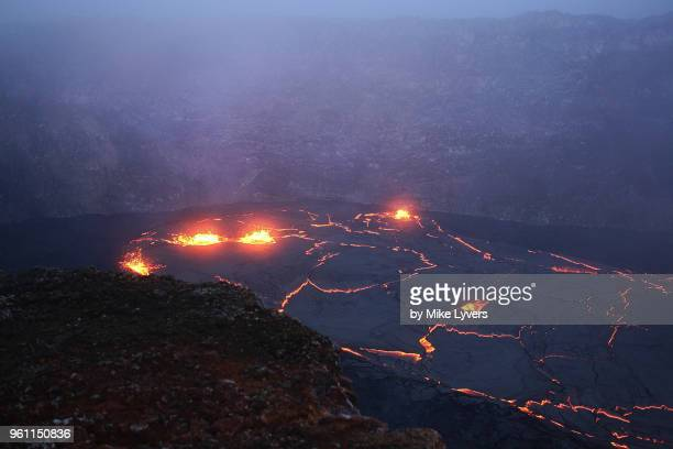 lava lake in pu'u o'o crater of kilauea volcano as it looked in may 2011. - pu'u o'o vent stock pictures, royalty-free photos & images