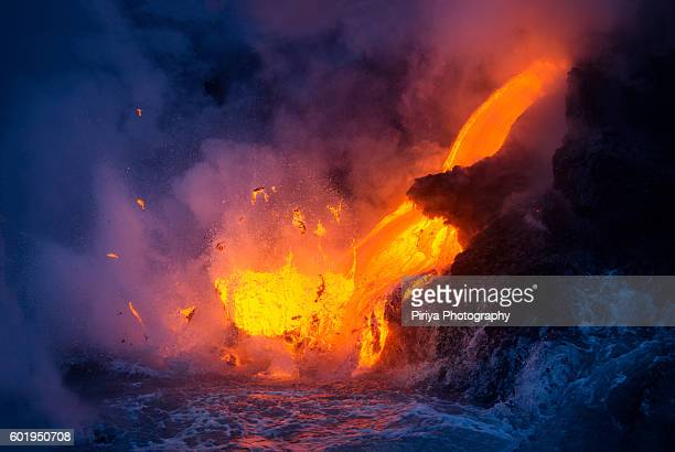 lava ocean entry - active volcano stock pictures, royalty-free photos & images