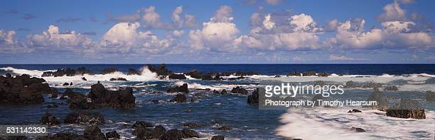 lava rock formations in the ocean - timothy hearsum fotografías e imágenes de stock