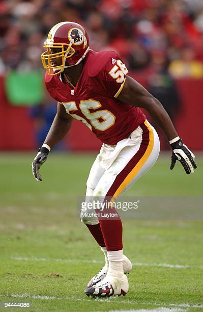Lavar Arrington of the Washington Redskins in postion during a NFL football game against the Chicago Bears on December 23 2001 at FedEx Field in...