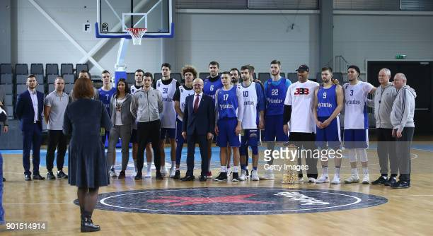 LaVar Ball father of LaMelo and LiAngelo Ball poses for a photo with whole squad during a training session with Lithuania Basketball team Vytautas...