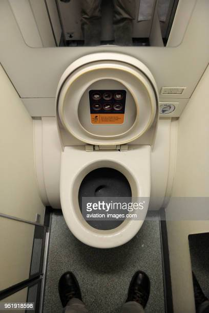 Lavatory / toilet in a Singapore Airlines Airbus A380 enroute flightnumber SQ317 LHRSIN