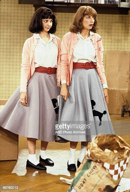 LAVERNE SHIRLEY Laverne and Shirley Move In 11/28/78 Cindy Williams Penny Marshall