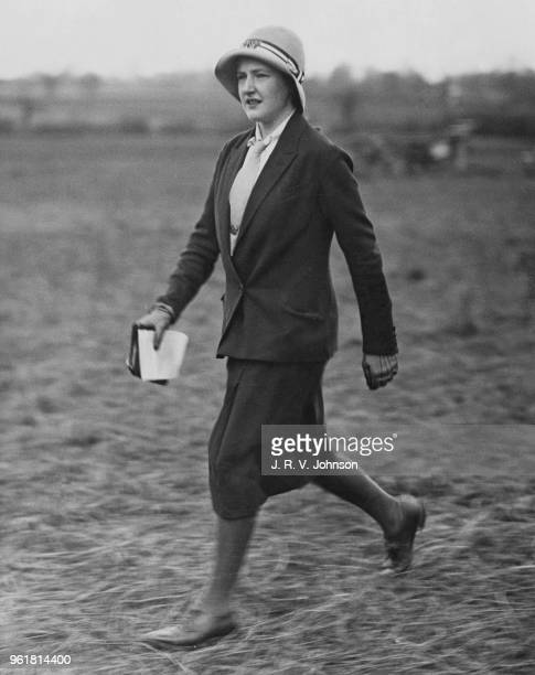 Lavinia Strutt the daughter of the Countess of Rosebery at the Oxford University Bullingdon Club PointtoPoint at Somerton 12th February 1933 She...