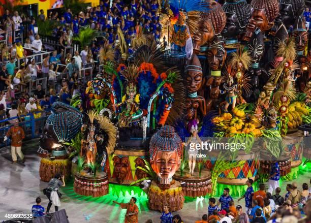 lavishly decorated parade float in sambadromo, rio de janeiro, brazil - mardi gras parade stock photos and pictures
