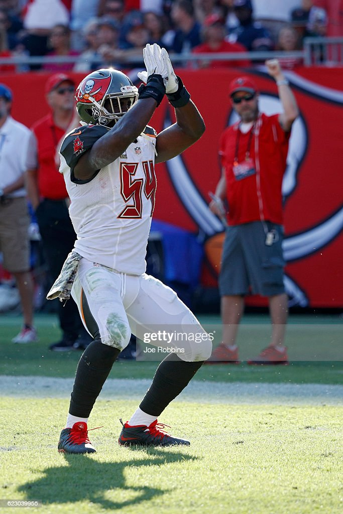 Lavonte David #54 of the Tampa Bay Buccaneers celebrates after a safety against the Chicago Bears in the second half of the game at Raymond James Stadium on November 13, 2016 in Tampa, Florida. The Bucs defeated the Bears 36-10.