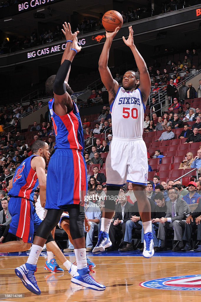 Lavoy Allen #50 of the Philadelphia 76ers takes a shot against the Detroit Pistons during the game at the Wells Fargo Center on December 10, 2012 in Philadelphia, Pennsylvania.