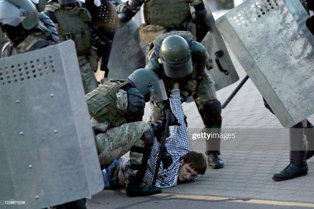TOPSHOT-BELARUS-POLITICS-UNREST-DEMO : News Photo