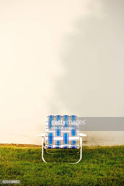 lawn chair - アウトドアチェア ストックフォトと画像