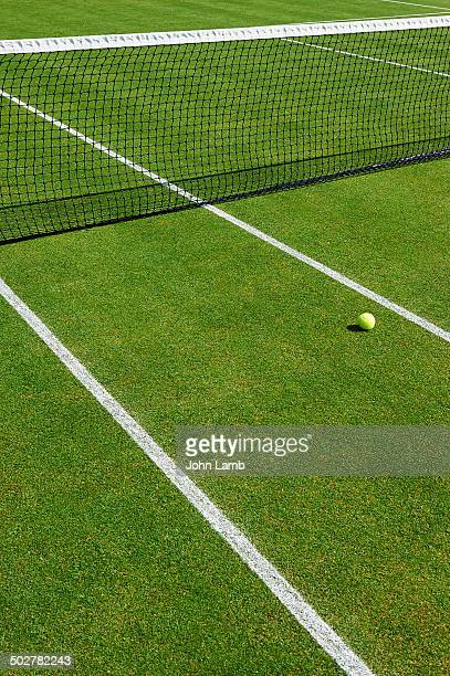 lawn tennis court - grass court stock pictures, royalty-free photos & images