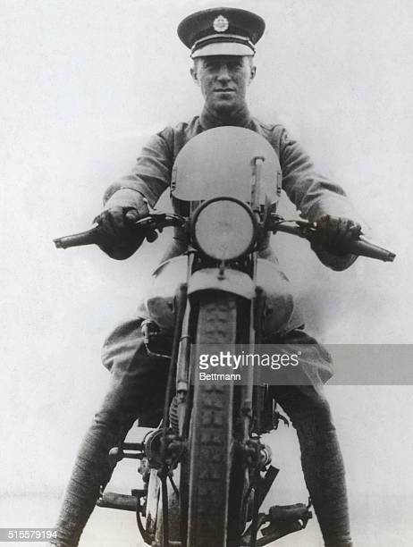 Lawrence, British soldier, diplomat, writer. He was killed in 1935 in a motorcycle accident.