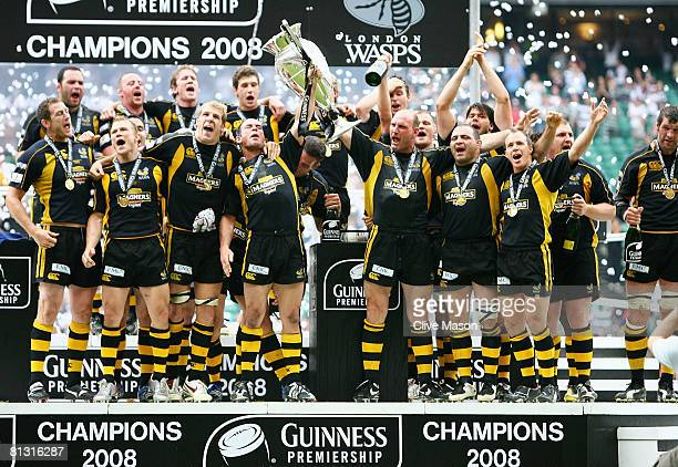 Lawrence Dallaglio of Wasps celebrates with teammates after victory in the Guinness Premiership Final match between Leicester Tigers and London Wasps...