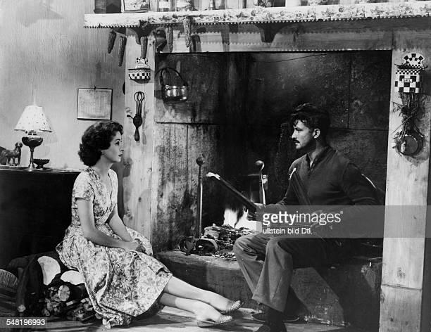 Lawrence, D.H. *11.09.1885-+ Schriftsteller, GB - Szenenbild aus der Verfilmung des Buches 'Lady Chatterley's Lover', im Bild Danielle Darrieux als...