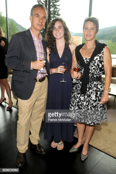 Lawrence Luhring May Cohan and Jane Cohan attend AMY JOHN PHELAN host wineCRUSH 2009 for the ASPEN ART MUSEUM at Phelan Residence on August 5 2009 in...