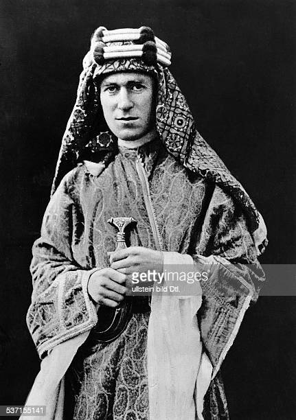 Lawrence, Thomas Edward , , Archaeologist, Writer, Secret Agent, fame as Lawrence of Arabia, - Portrait as a Bedouin, Vintage property of ullstein...