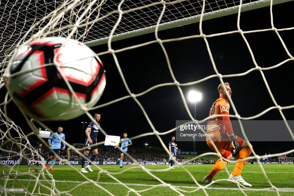 Sydney v Melbourne - A-League Semi Final 2 : News Photo