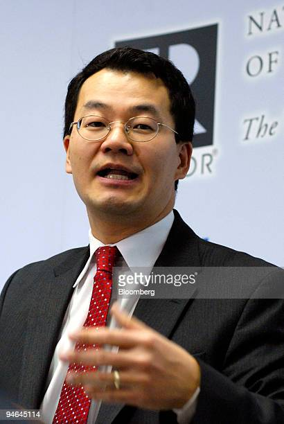 Lawrence Yun chief economist of the National Association of Realtors speaks at a news conference in Washington DC US on Monday Dec 10 2007 The...