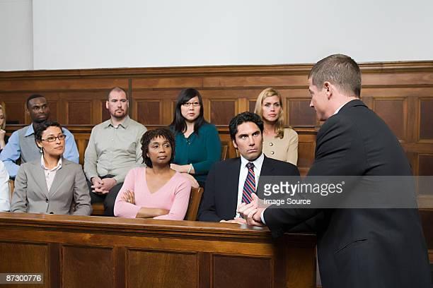 ein anwalt und der jury - geschworener stock-fotos und bilder