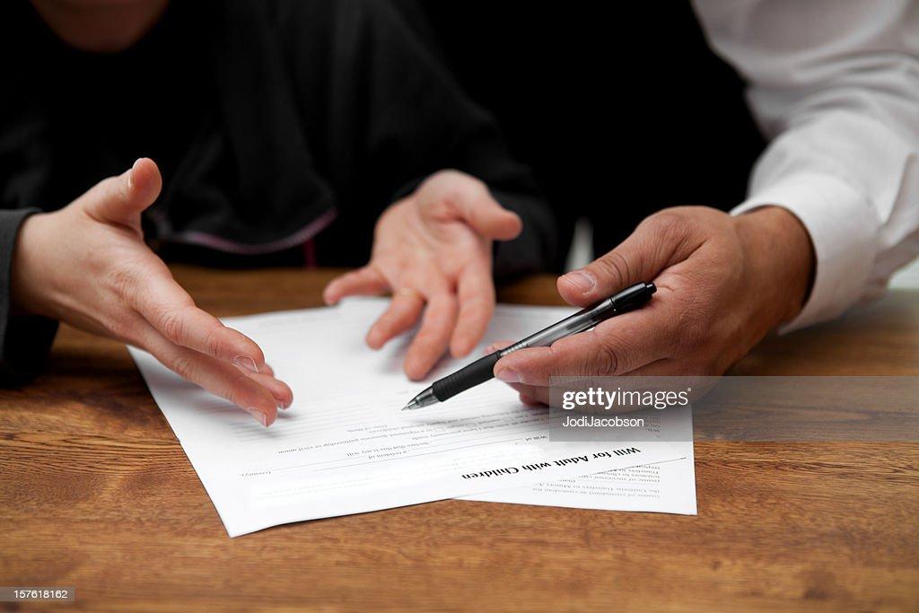 Lawyer explaining will : Stock Photo
