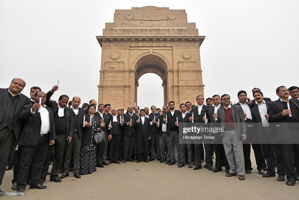 IND: Supreme Court Bar Association Lawyers Pay tribute To The Slain CRPF Jawans Of The Pulwama Terror Attack