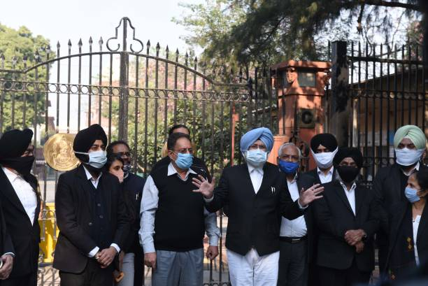IND: Lawyers Protest In Support Of Rights Of Farmers At Supreme Court Of India