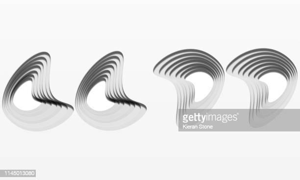 layered cut out graphic quotation marks - capas superpuestas fotografías e imágenes de stock