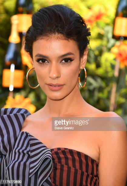 Laysla De Oliveira arrives at the 10th Annual Veuve Clicquot Polo Classic Los Angeles at Will Rogers State Historic Park on October 05, 2019 in...