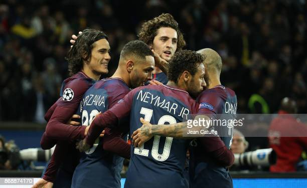Layvin Kursawa of PSG celebrates his goal with Edinson Cavani Adrien Rabiot Neymar Jr during the UEFA Champions League group B match between Paris...