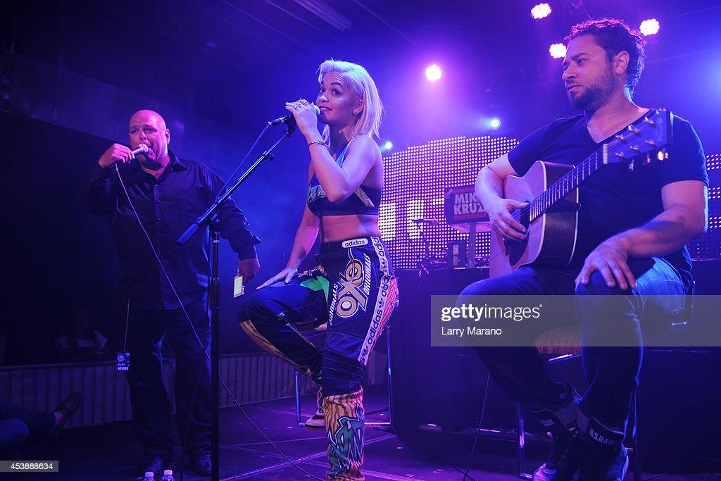 Rita Ora Performs At Grand Central : News Photo
