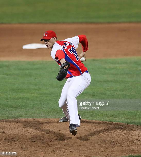 Lazaro Blanco of the Cuban National Team delivers a pitch against the Rockland Boulders at Palisades Credit Union Park on June 25, 2016 in Pomona,...