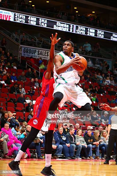 Lazeric Jones of the Iowa Energy drives to the basket against the Grand Rapids Drive in an NBA DLeague game on January 15 2016 at the Wells Fargo...
