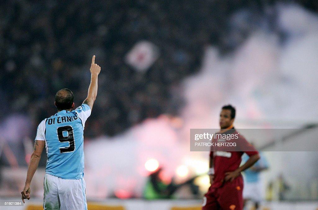 Lazio forward Paolo Di Canio celebrates : News Photo