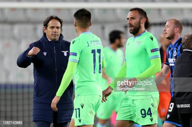 Lazio head coach Simone Inzaghi and Joaquin Correa of SS Lazio celebrate at the end of the UEFA Champions League Group F stage match between Club...