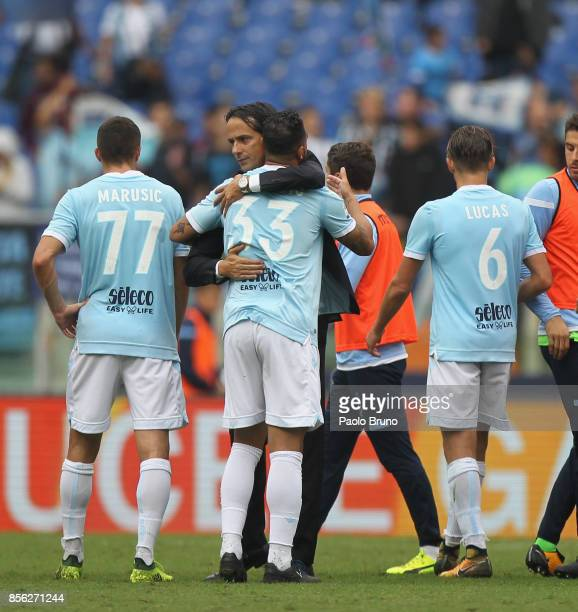 Lazio head coach Simone Inzaghi celebrates with his players after the Serie A match between SS Lazio and US Sassuolo at Stadio Olimpico on October 1...