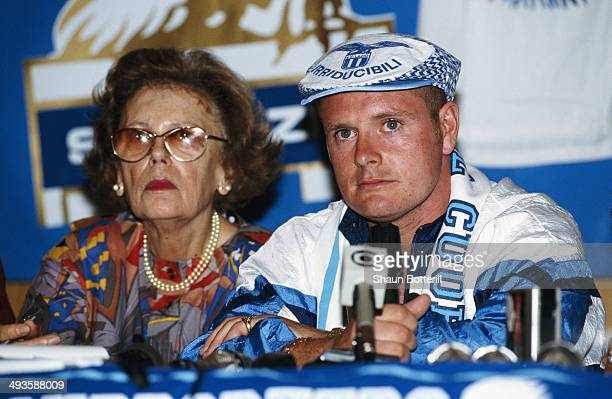 Lazio player Paul Gascoigne faces the media on his first visit to Rome after signing from Tottenham Hotspur on August 1 1991 in Rome Italy
