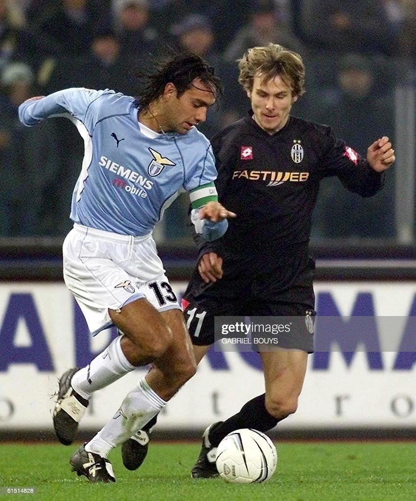 Lazio Rome's defender Alessandro Nesta (L) vies Cz : News Photo