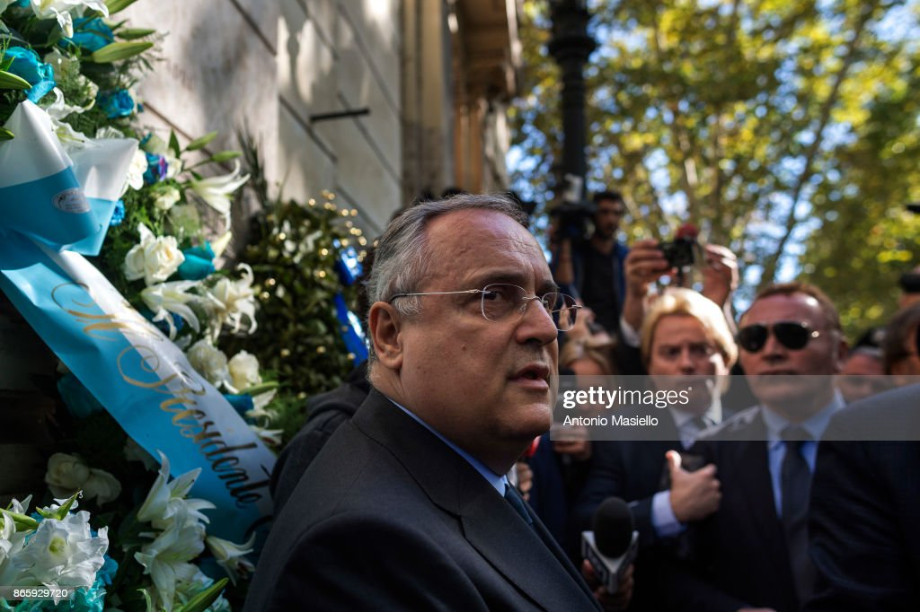 Lazio Chairman Attends Synagogue Following Anti-Semitic Sticker Campaign By Supporters : News Photo