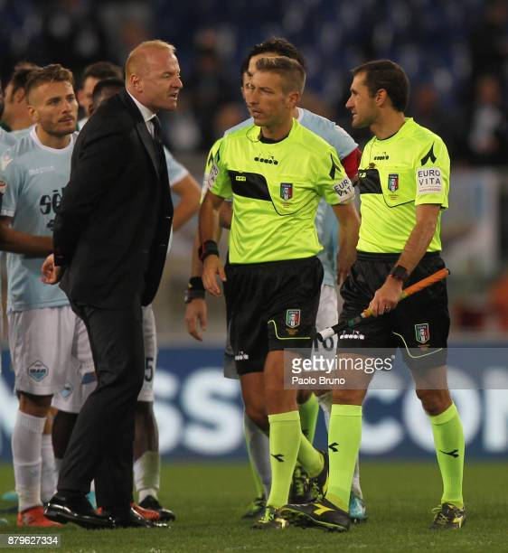 Lazio Sport Director Igli Tare and his players react with the referee Davide Massa during the Serie A match between SS Lazio and ACF Fiorentina at...