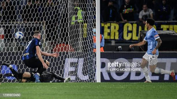 Lazio's Brazilian midfielder Felipe Anderson scores his side's second goal during the Italian Serie A football match between Lazio and Inter on...