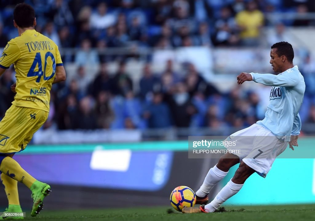 Lazio's forward from Portugal Luis Nani (R) kicks to score during the Italian Serie A football match Lazio vs Chievo at the Olympic Stadium in Rome on January 21, 2018. /