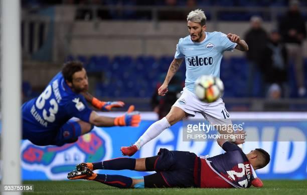 Lazio's midfielder from Spain Luis Alberto vies with Bologna defender Adam Masina during the Italian Serie A football match Lazio vs Bologna at the...
