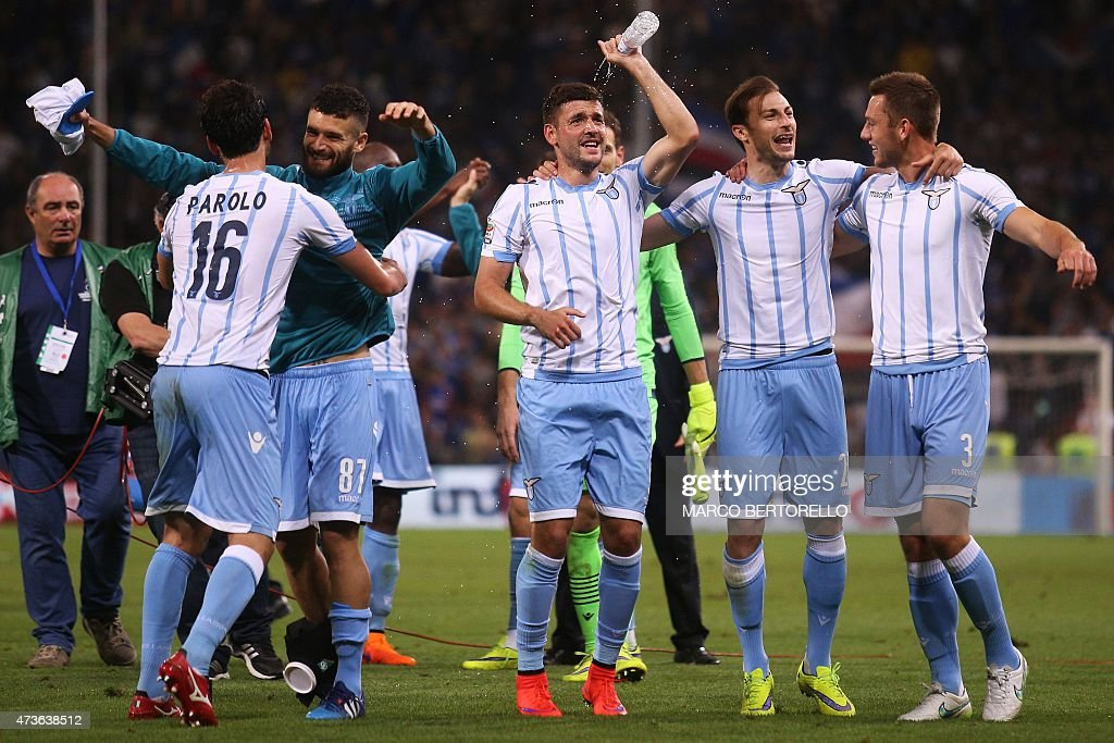 Lazio's players celebrate at the end of the Italian Serie A football match Sampdoria Vs Lazio on May 16, 2015 at 'Luigi Ferraris Stadium' in Genoa.