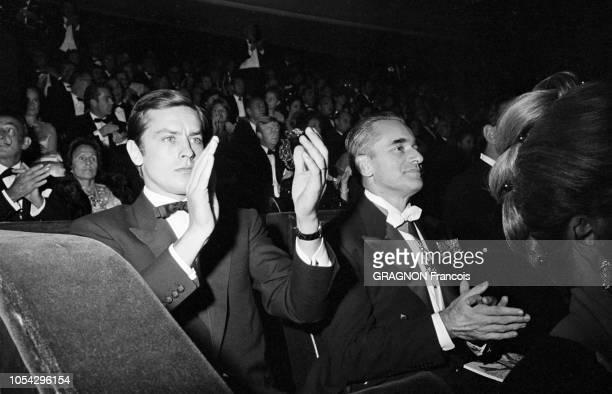 PARIS le 25 octobre 1966 Première du film 'Paris brûletil ' de René CLEMENT dont la sortie en salles est prévue pour le lendemain Ici l'acteur...
