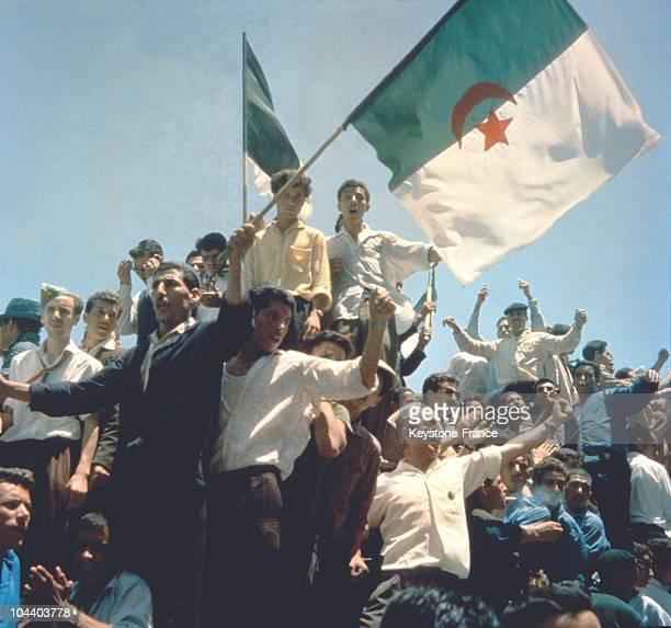 Le 3 juillet 1962 apres la publication des resultats du referendum, les Algeriens ont appris que le OUI avait remporte 91,23 % des voix. L'Algerie...